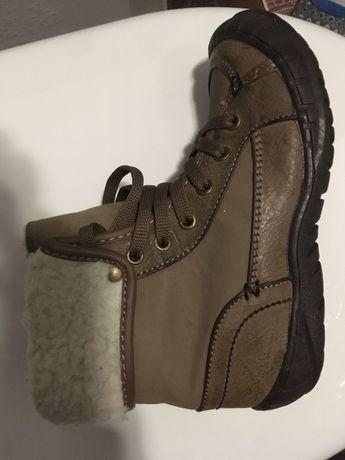 Дитячі осінні черевики розмір 32
