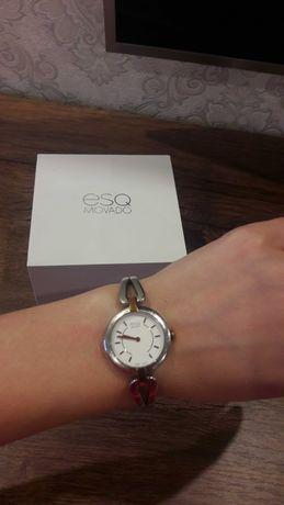 Часы наручные MOVADO