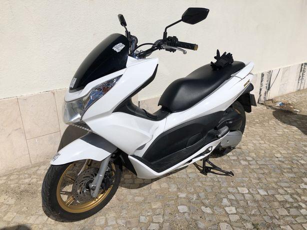 PCX Branca - Honda 125