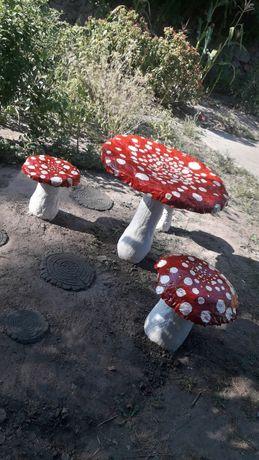 Грибы из бетона, садовый стол и стульчики, стол для сада, скульптуры