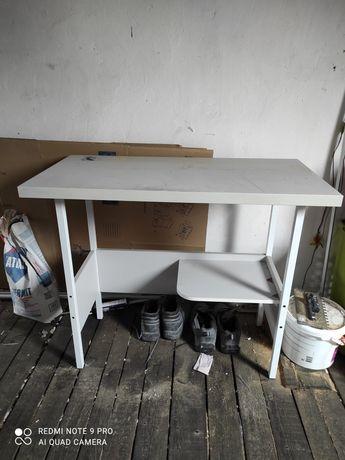 Biurko szare z miejscem na drukarkę