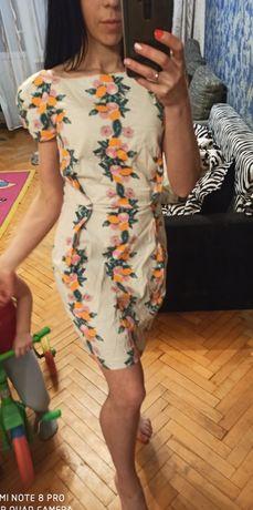 Фирменное платье футляр карандаш S