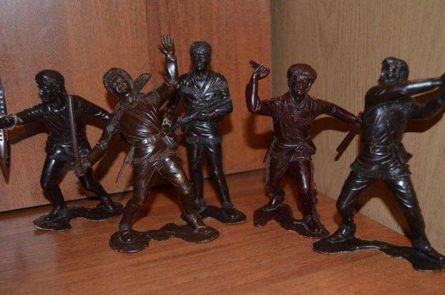 Солдатики фигурки большие СССР, при покупке всех укрпочта в подарок