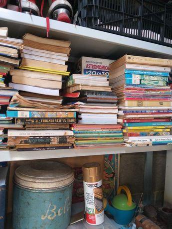 Livros diversos mais de mil unidades