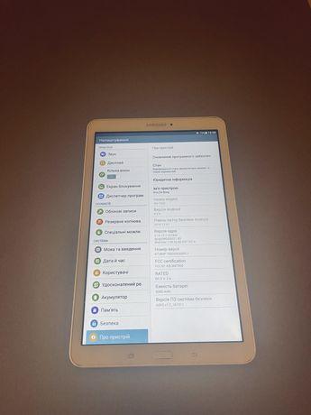 Планшет Samsung SM -T560