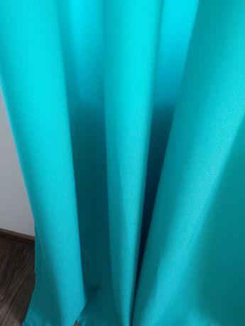 Niebieskie zasłony  na przelotkach szare grafit