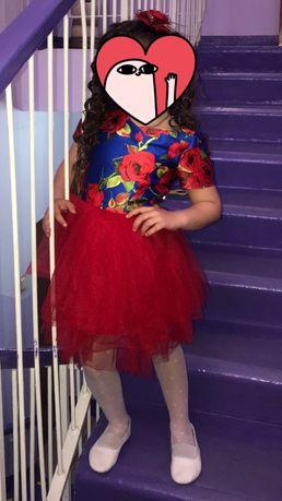 Продам нарядное платье для девочки 4-5 лет
