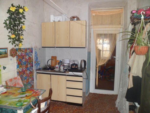 Продам 2-к квартиру в одно-этажном 4-х квартирном доме
