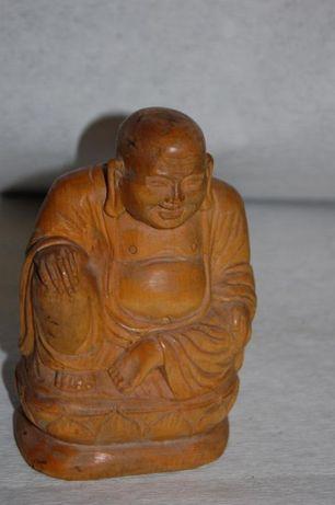 Figurka buddy z drewna , ręcznie wykonana , wys, 15 cm.