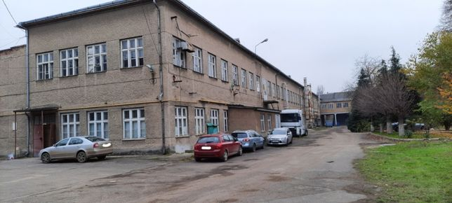 Виробничі та виставкові   приміщення  на 2 поверсі в центрі Ужгорода
