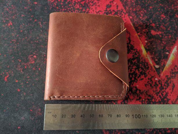Компактный мужской кошелек ручной работы