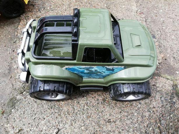 Samochód monster truck