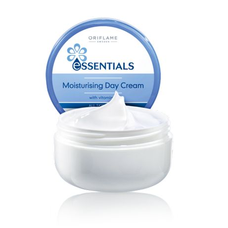 """Дневной увлажняющий крем """"Витаминный уход"""" Oriflame Essentials"""