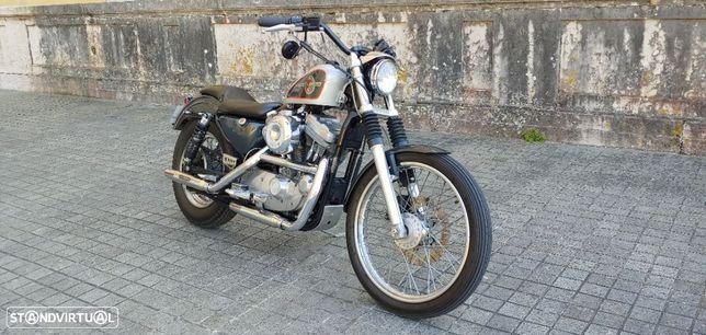 Harley-Davidson 883 Hugger