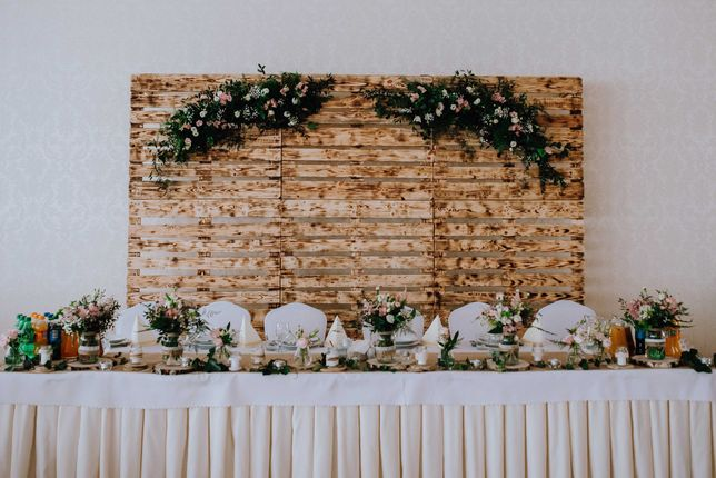 Ścianka weselna, sztaluga, dekoracje weselne rustykalne
