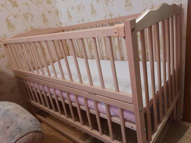 Детская кроватка (Качалка)  в идеальном состоянии + матрасик/клеёнка