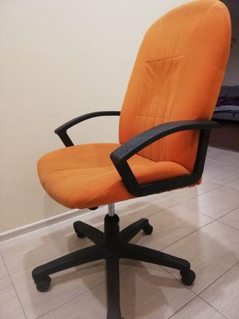 Krzesło obrotowe wygodne