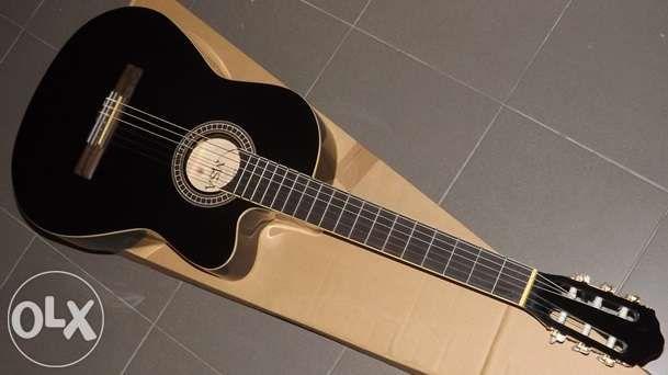 Guitarra eletroacústica cutaway com equalizador 4 bandas