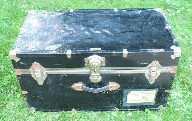 Kufer podróżny, skrzynia zabytkowa