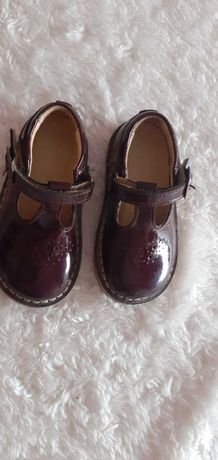 Sapatos menina de verniz bordô