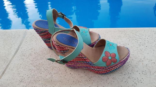 Koturny sandaly piękne