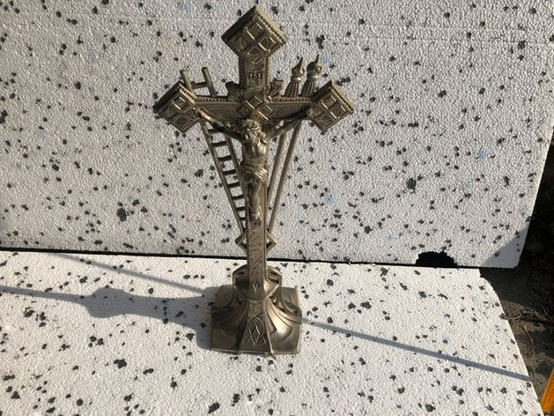 krzyż stojący cynkal , Jezus , pasyjka