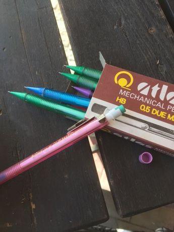 Ołówek HB 0,5 z wymiennym rysikiem i gumką