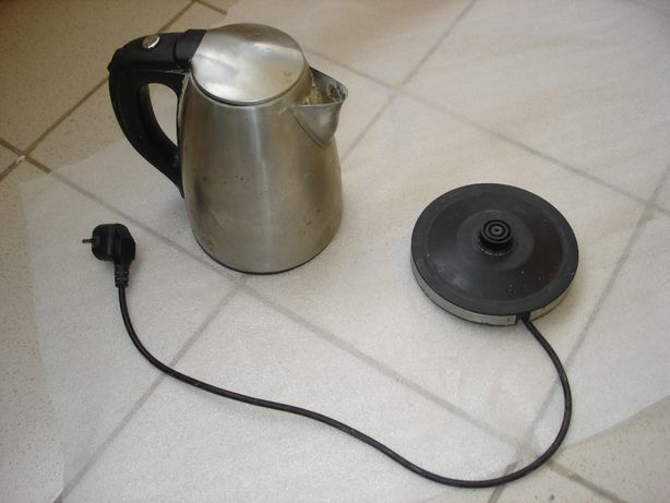 Чайник электрический Saturn ST-EK8401, рабочий, на запчасти или ремонт