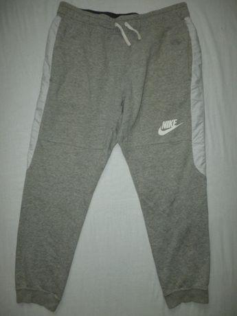 Nike Joggery męskie Sportswear
