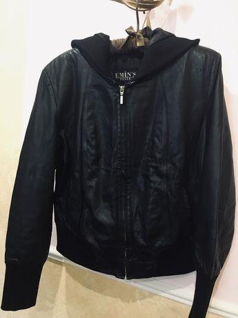 Кожаная куртка с капюшоном 48р 2000руб