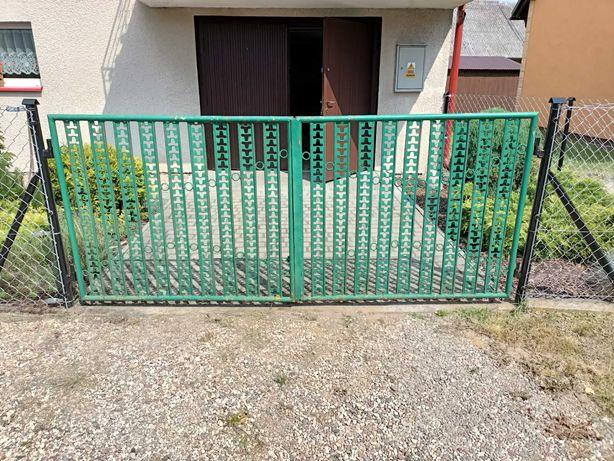 Brama ogrodzeniowa z furtką