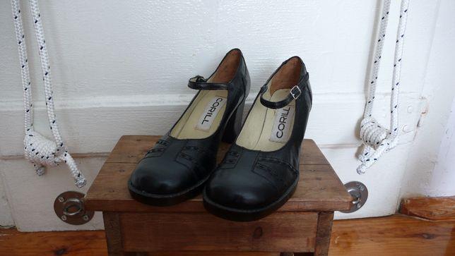sapatos em pele anos 60 vintage