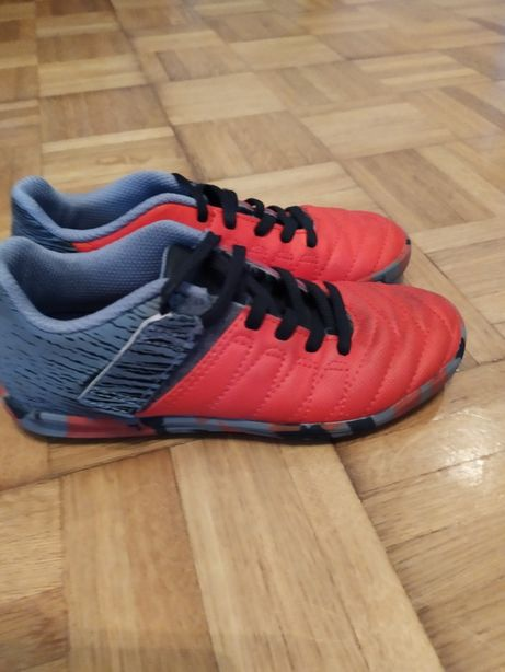 Buty do piłki nożnej halowe