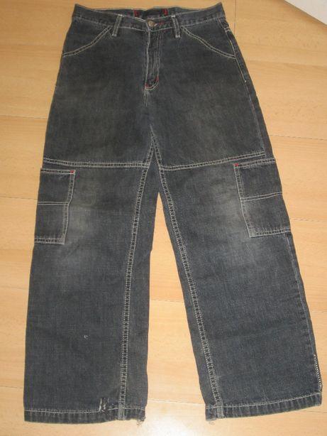 Spodnie na 134 cm, rozmiar L