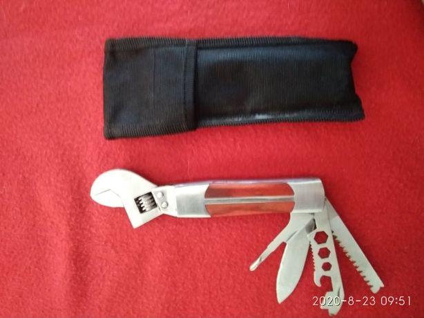 Продам ключ ,нож универсальный