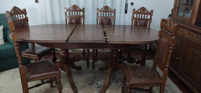 Mesa pé de galo com respectivas 7 cadeiras