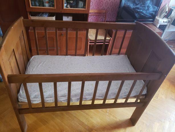 Детская кроватка+матрас, дерево