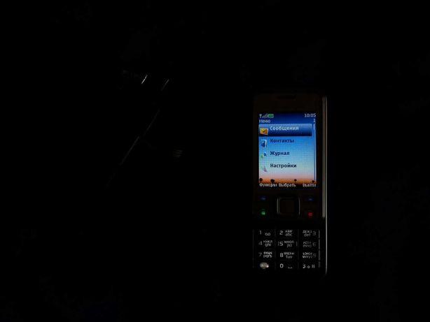 Кнопочный старый  рабочий Nokia 6300 белый с зарядкой