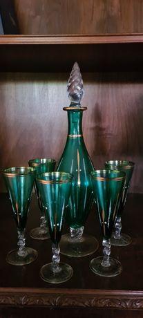 conjunto de jarra e copos antigos