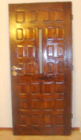 Drzwi zewnętrzne drewniane szer 90