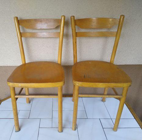 2 stare drewniane krzesła