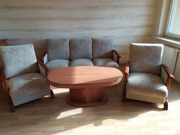 Kanapa, fotele, stolik kawowy