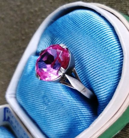 Кольцо серебряное с камнем рубин серебро СССР - звезда 875 проба