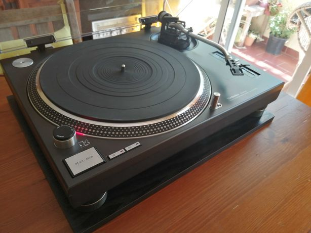 Technics SL-1210MK2 Quartz Direct Drive Gira Discos Impecável!