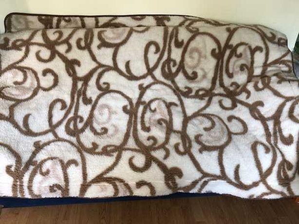 Kołdra   wełniana z merynosów 205x142 z poduszką w gratisie 38x48