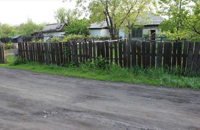 Продам дачу с огородом и садом за 50 тыс. рублей.