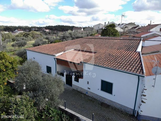 Fully renovated house with airco, garden and ruin to renovate