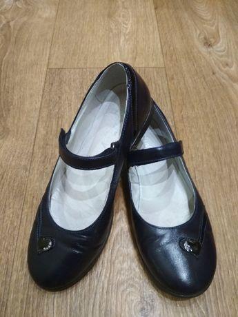 Кожаные туфли, школьные туфли, балетки, кроссовки для девочки