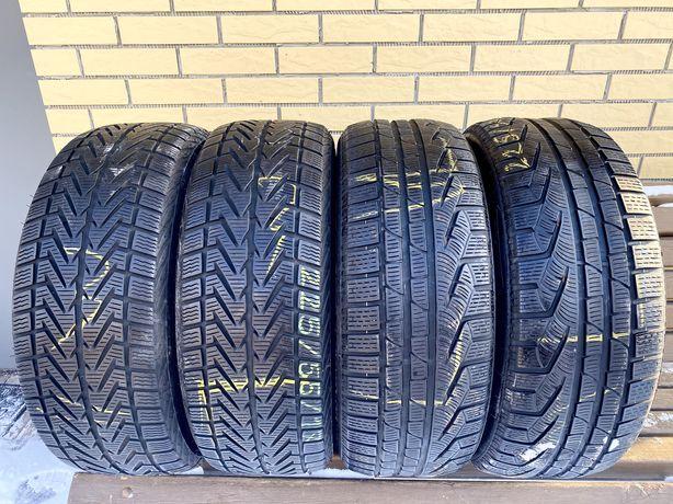 Шини резина R17 225.55 4 шт Pirelli