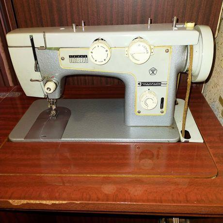 Швейная машинка Подольск 142 Рабочая!